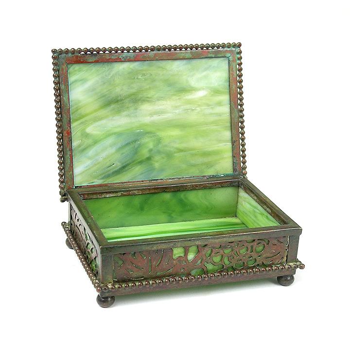 GrapeVine small decorative box