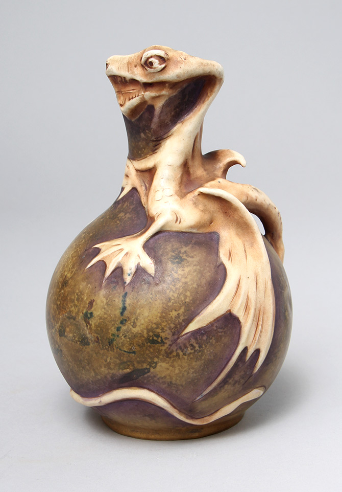 Amphora, Dragon vase