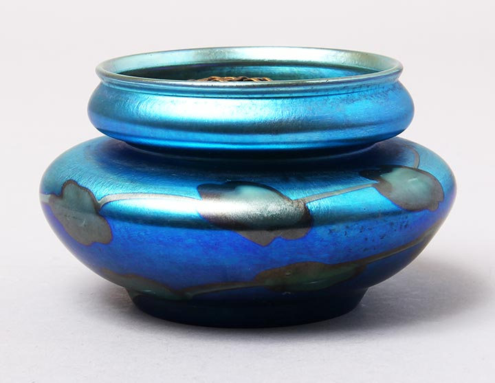 Tiffany Favrile, Blue decorated bowl